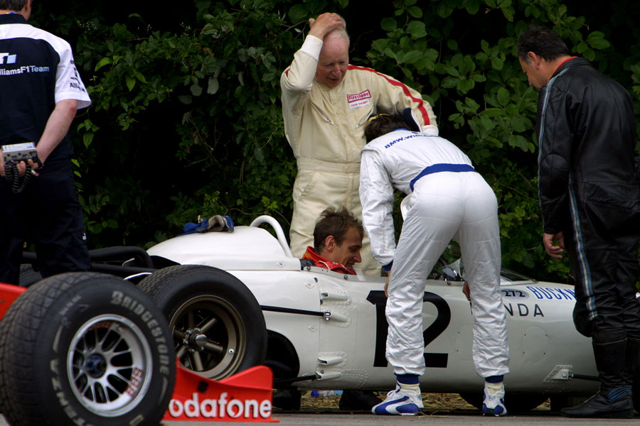 040 | 2004 | Goodwood | Festival Of Speed | John Surtees + Christian Fittipaldi + Antonio Pizzonia | © carsten riede fotografie